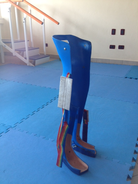 Orteza de posturare tip verticalizator